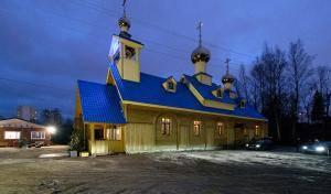 Митрополит Варсонофий совершил Всенощное бдение в храме святого Василия Великого в Осиновой Роще