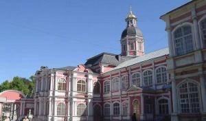 В ДПЦ «Святодуховский» города Санкт-Петербурга проходит «Лаврская предпасхальная ярмарка»