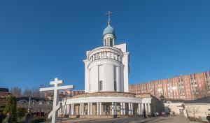 Митрополит Варсонофий совершил Божественную литургию в храме Державной иконы Божией Матери